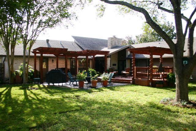 Backyard View Design Arbor