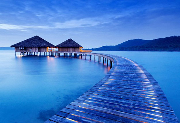 Amazing-Site-Cambodia-Ultimate Luxury Destination wooden long bridge Song Saa Private Island