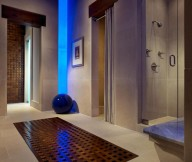 Amazing hidden lights Glass shower enclosure Pool house