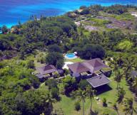 Amazing resort Ocean view Preety  coconut trees Round swimming pool