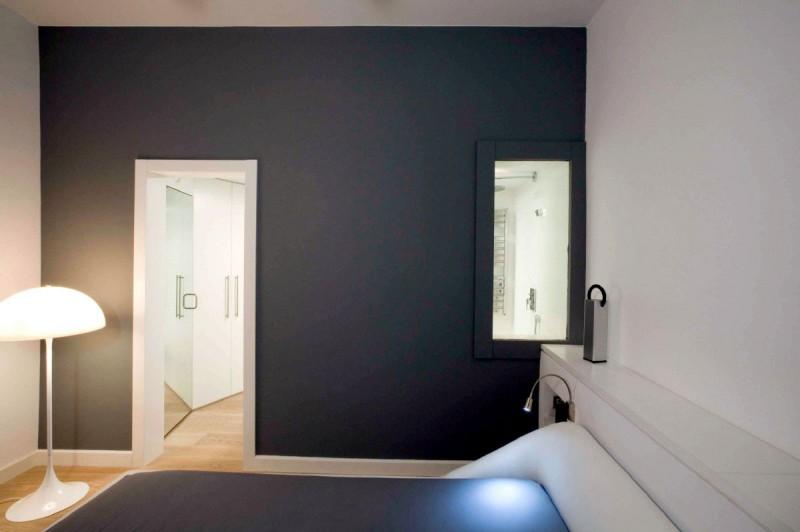 Arch Lamp Glass Window Black Wall Black Matress