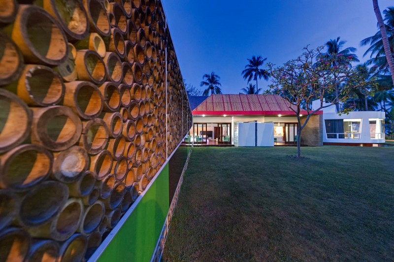 Bamboo wall design Villa Sapi  Green courtyard Leafy tree Round shaped building
