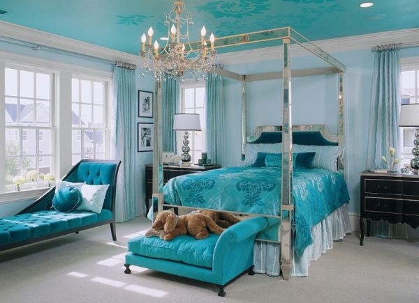 Bedroom ideas for young women blue bench blue ceiling grey for Blue carpet bedroom ideas