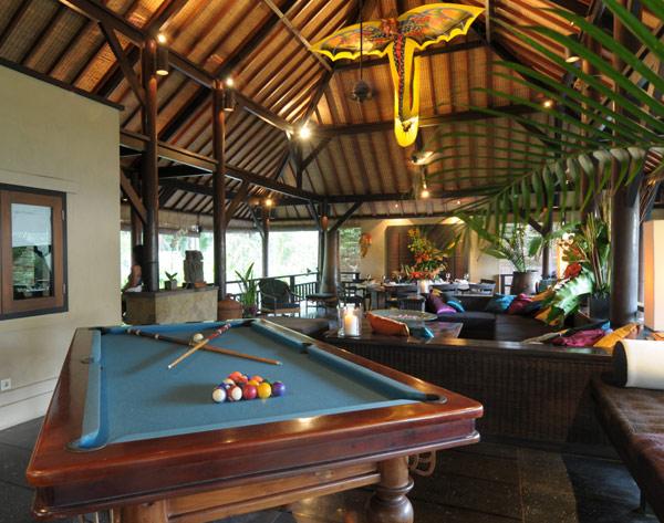 Billiyard table black floor creame wall Exclusive  Beach Villas The Lush Jungle