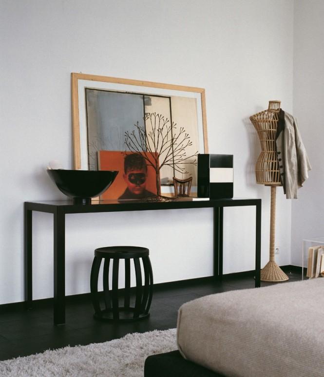 Black Floor White Wall White Rug Black Table