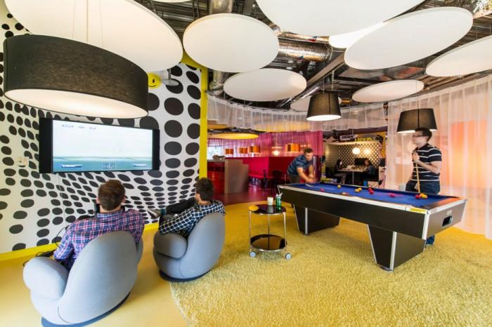 Black Polka Dot Wall Panle Yellow Carpet Floor Balck Billiard Table Black Pendant Lamps