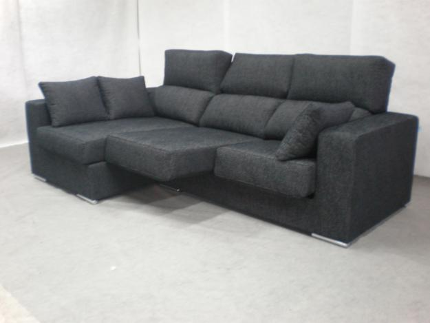 Black Sofa Modern Look Minimalist Design White FLoor