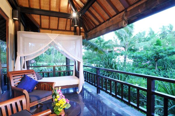 Black granite floor white bed canopy Exclusive  Beach Villas The Lush Jungle