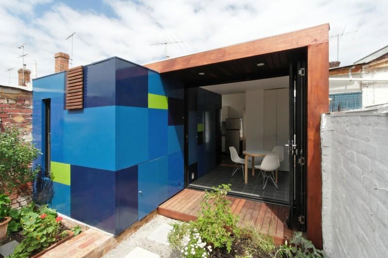 Blue Cubicle Wall Sliding Door Wooden Floor Coffee Table