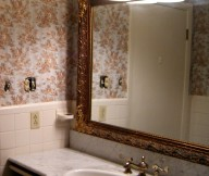Classic Small Bathroom Design Ideas with Big Mirror