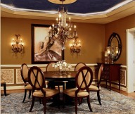 Classic luxury-dining-room-with-round-table