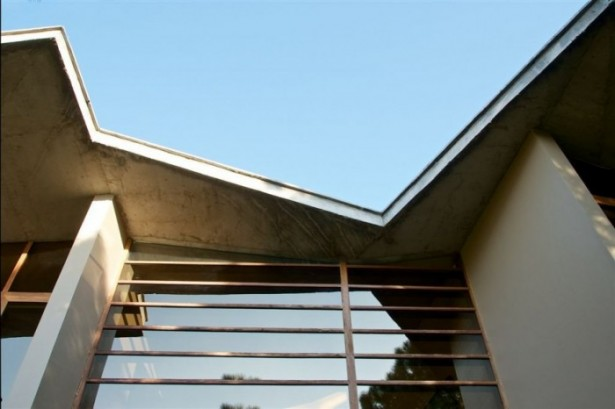 Concrete Roof Wooden Frame Windows