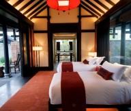 Cozy-modern-bed-Dark-floor-Romantic-floor-lamp-Glass-bay-windows