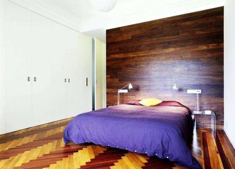 Elegant quilt Sectional table lamp La coruna apartment Laminate flooring