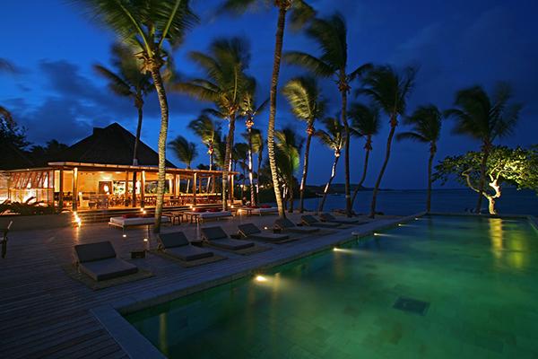 Exotic Getaway Resort for Resort-by-Night large pook Caribbean Sea