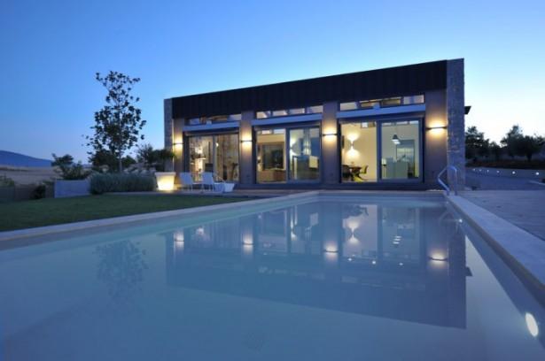 FLat Roof Modern House Green Lawn Minimalist Pool