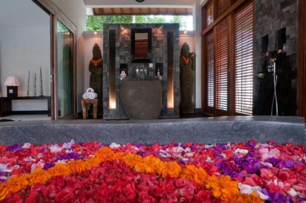 Flower Bath Grey Bath Up Traditional Look Stone Wall
