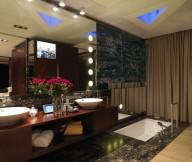 Glamour Bathrom Laminate Flooring Wide Mirror Elegant Wall Lamps