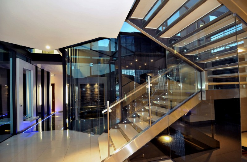 Glass banister Futuristic stairs House Cal  Glossy white ceramic floor