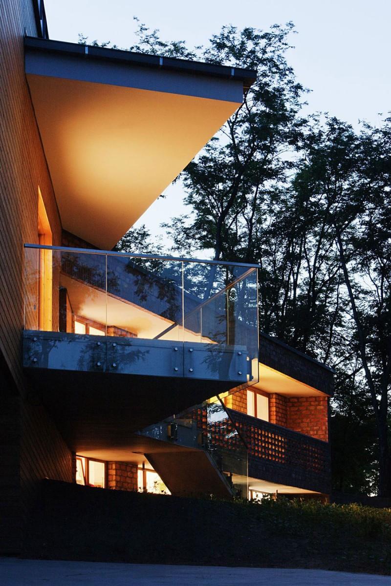 Glass railing Soft lighting Twin houses Modern cantilever