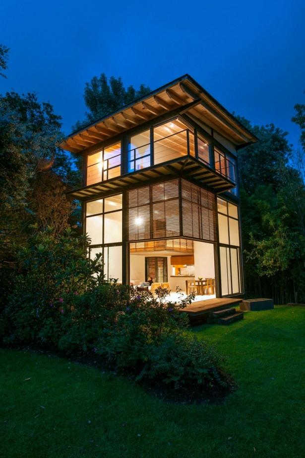 Green Lawn Wide Windows Flat Roof Minimalist Sense