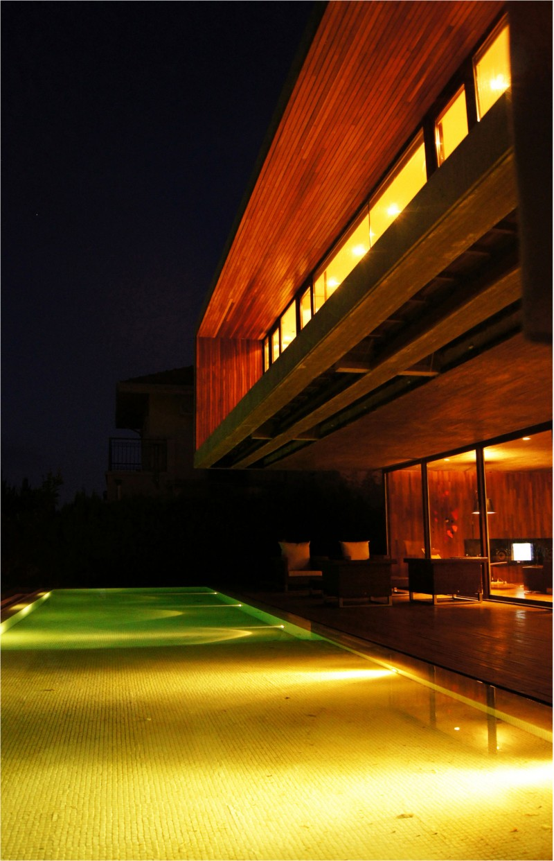 Hidden Lamps Wide Windows Wooden Wall Minimalist Swimming Pool
