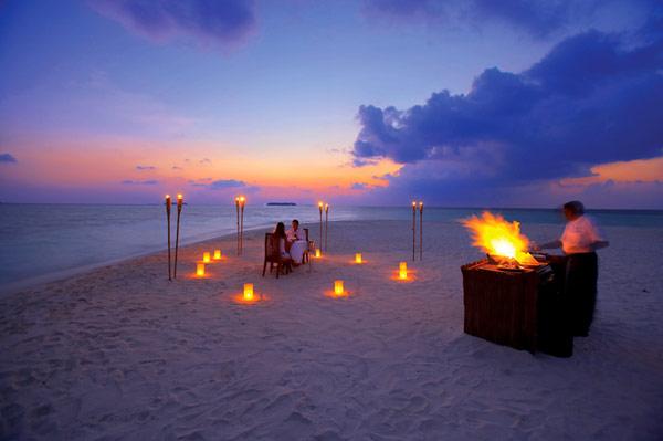 Incredible putdoor lights Romantic dining set Beautiful sunset Outdoor kitchen island