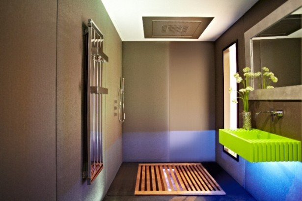 Big Design In A Small Space For Japanese Bathroom