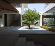 Courtyards Design Ideas Central Tree And Pebble Courtyard