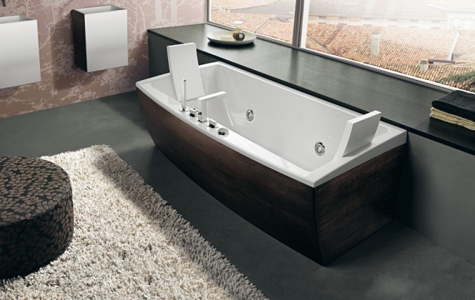 Dark Timber Finish Bathtub Beautiful Bathtubs Design