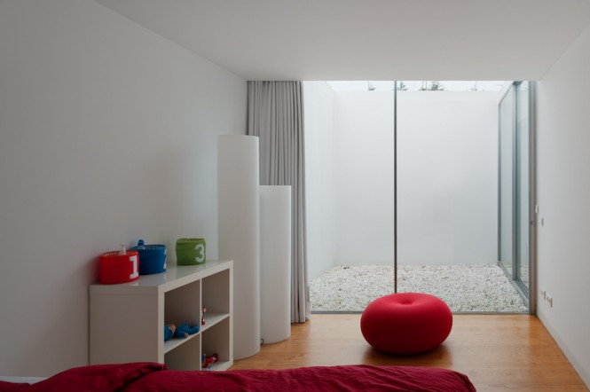 House With The Simplest Of Forms Red Childrens Bedroom