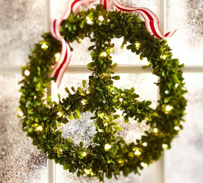 Indoor Decor Ideas Mistletoe Wreath Glass Window