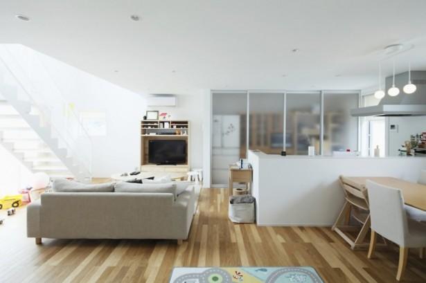 Japanese Style Interior Design Matte Glass Dividers Wooden Floor