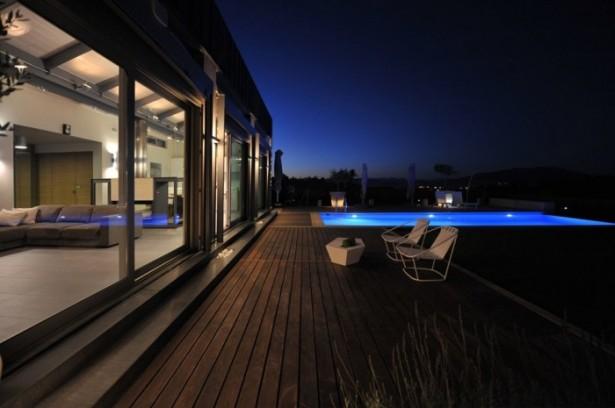 Stunning Modern Family Exterior Modern Swimming Pool Wooden Deck Pool