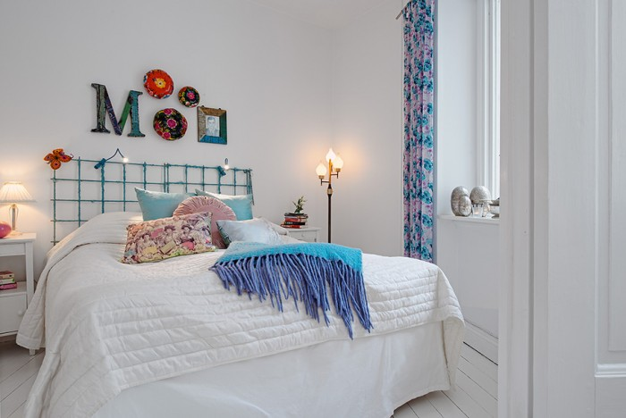 White Heirloom Apartment For Wrought Iron Bed