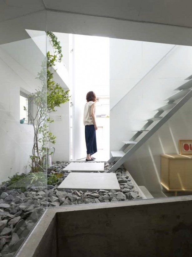 White Stairs Interior Courtyard Steps Courtyards Design Ideas