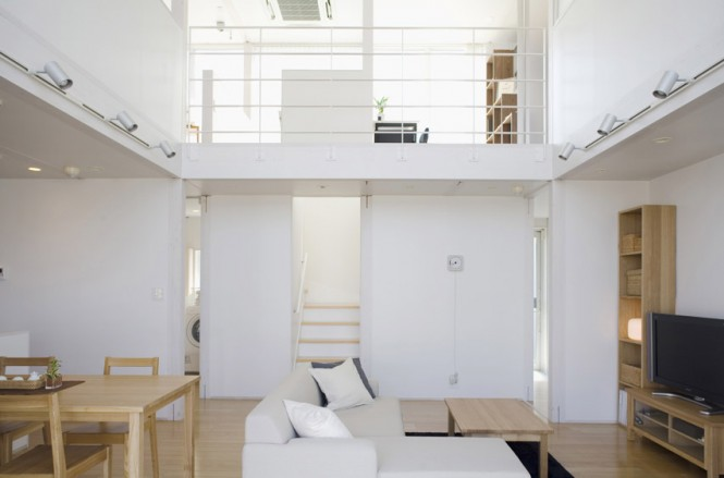 White Wall Dual Level Living Room Minimalist Japanese Prefab