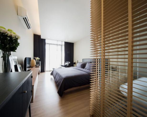 Wooden Floor Balck Bed Ideas Modern Townhome Design