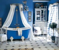 blue and white bathroom accessories1