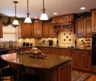 maple kitchen cabinets 1