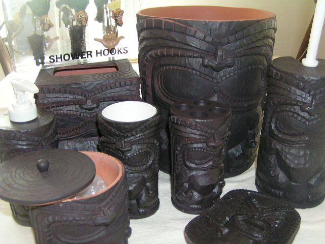 Tiki bathroom decor