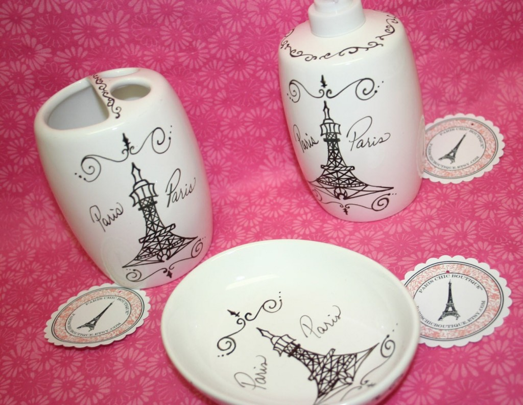 Paris Themed Bathroom D�cor for a Chic Bathroom Interior : KVRiver.