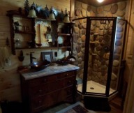 rustic cabin bath decor