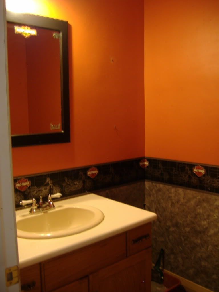 Where to find harley davidson bathroom decor for Find bathroom designs