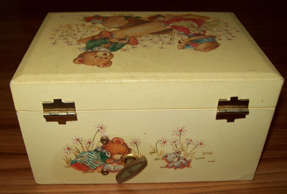 child's jewelry box